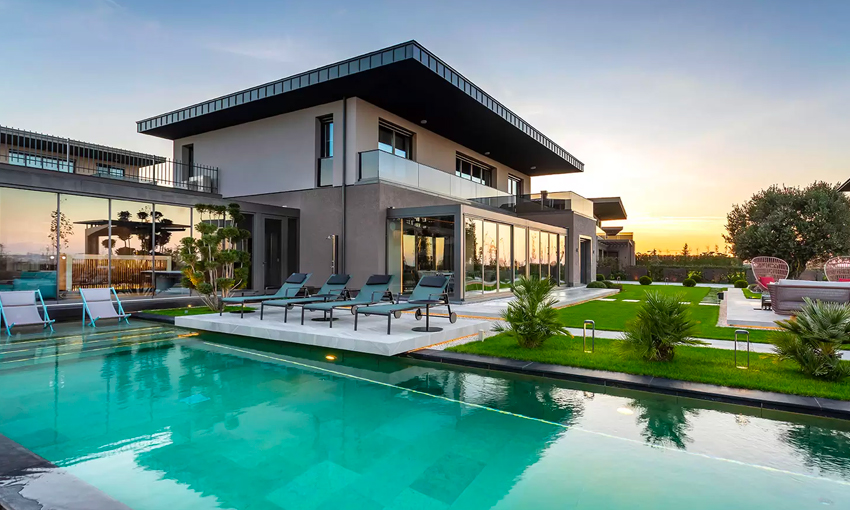 luxury villas in the nature where green meets blue