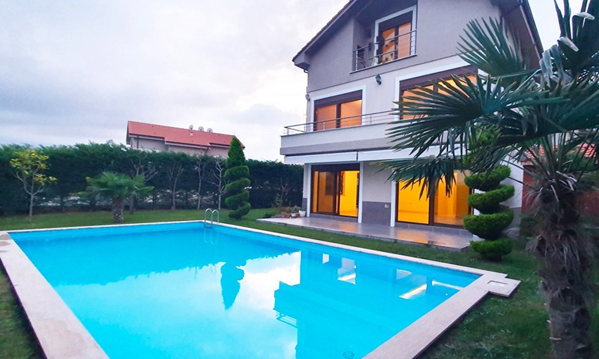 modern villa with private swimming pool for sale in bursa