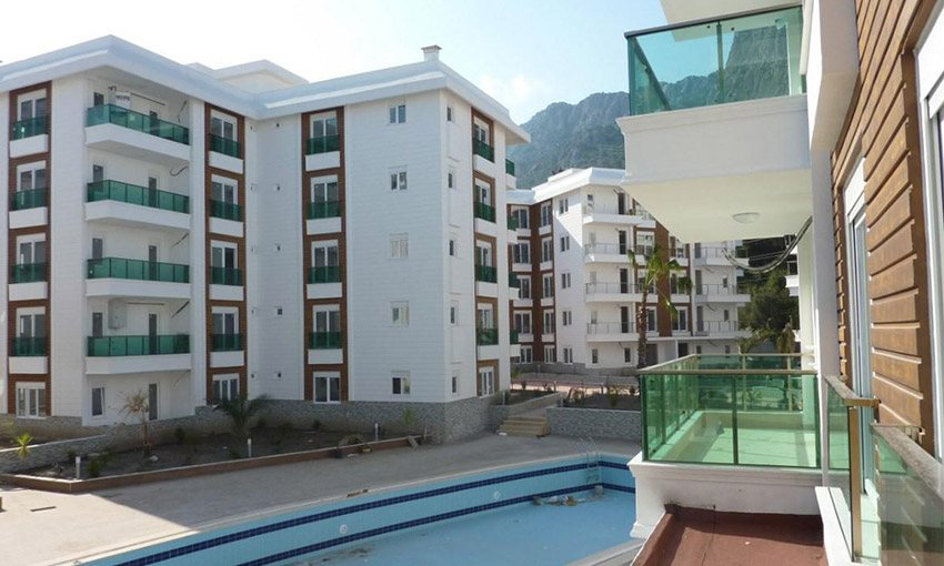 apartments for sale in konyaalti with a swimming pool