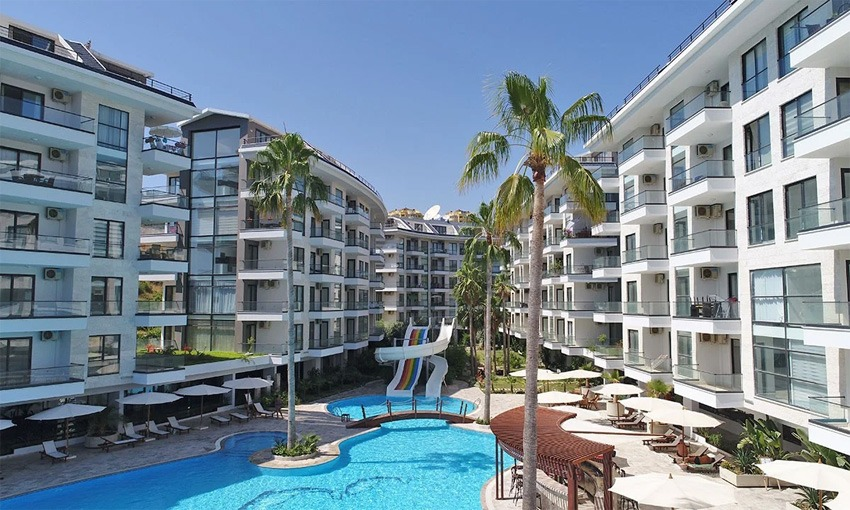 spectacular complex with proximity to sea in alanya
